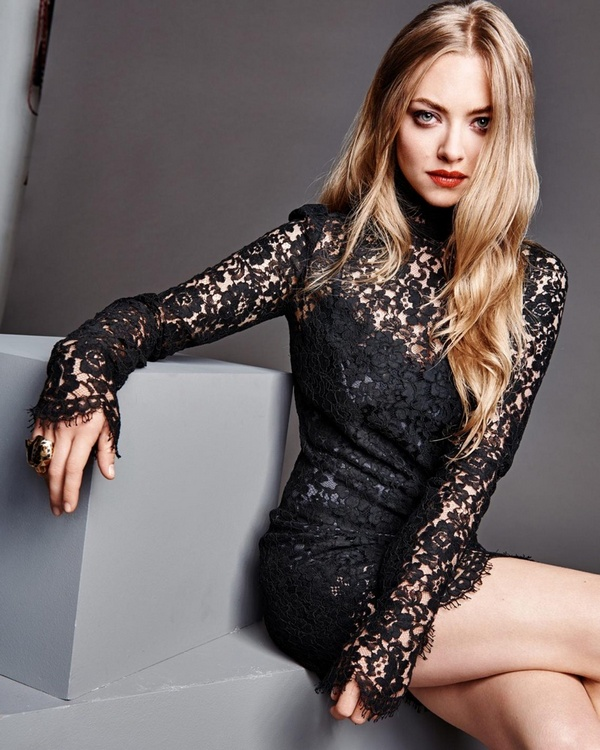 Amanda-Seyfried-Madame-Figaro-December-2015-Photoshoot06
