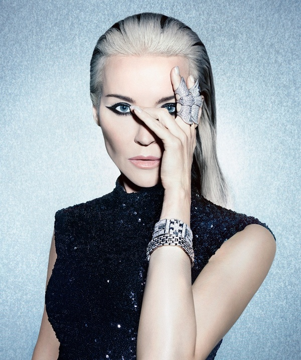 Daphne-Guinness-S-Moda-January-2016-Cover-Photoshoot01