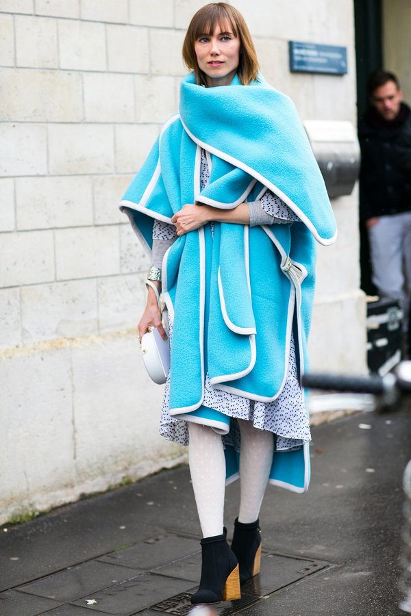 popsugar.com-Anya-Ziourova-electric-blue-wrap