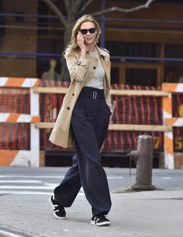 Karlie Kloss wearing Burberry Trench Coat in New York 18 March 2016