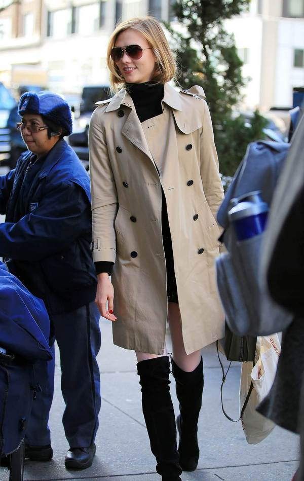 Karlie Kloss wearing Burberry Trench in New York 20 January 2016