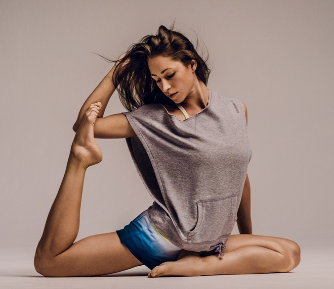 SS14 Reebok Yoga Tara Stiles  3 cr