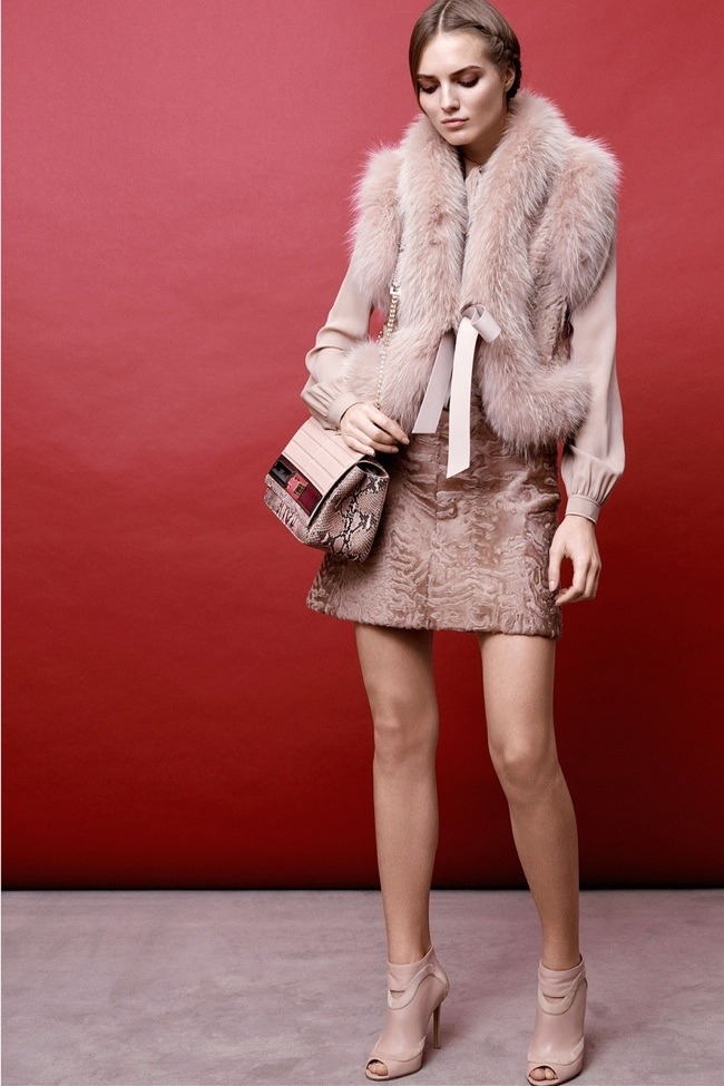 elie-saab-pre-fall-2015-photos21