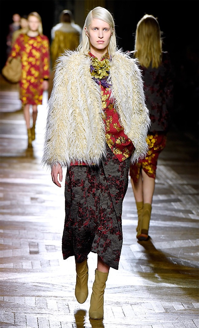 dries-van-noten-fall-winter-2015-runway04