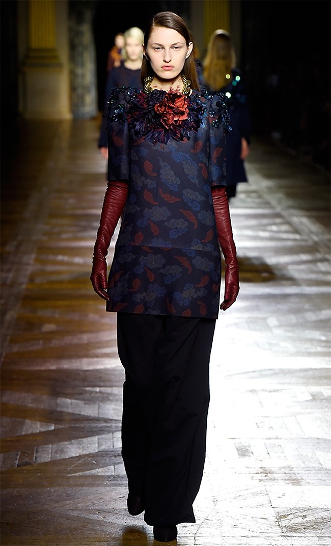 dries-van-noten-fall-winter-2015-runway20