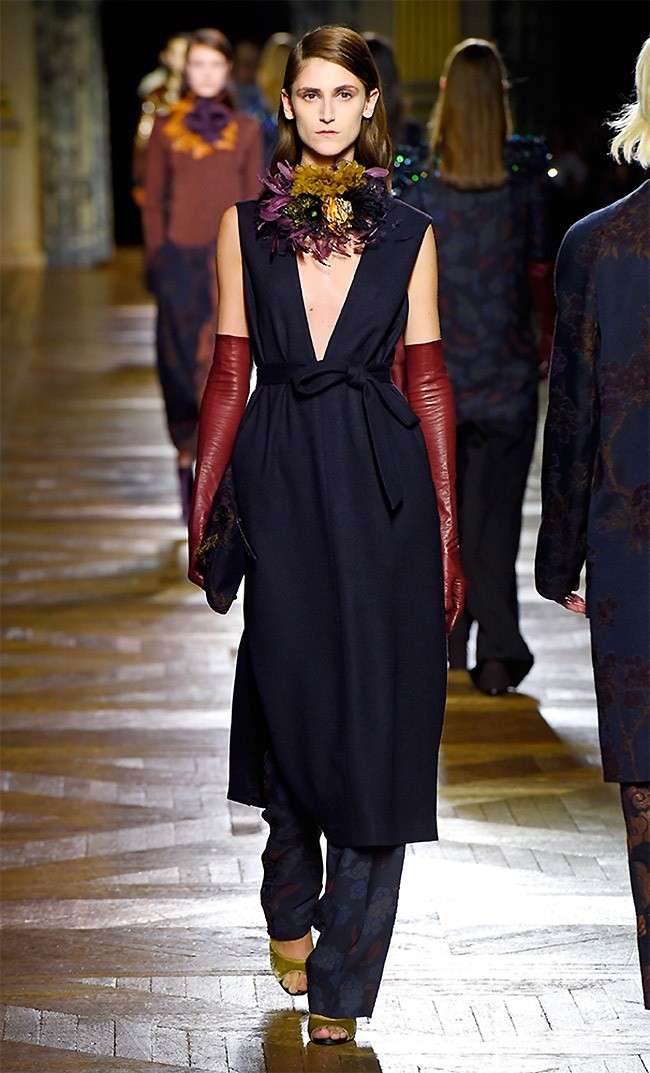 dries-van-noten-fall-winter-2015-runway22