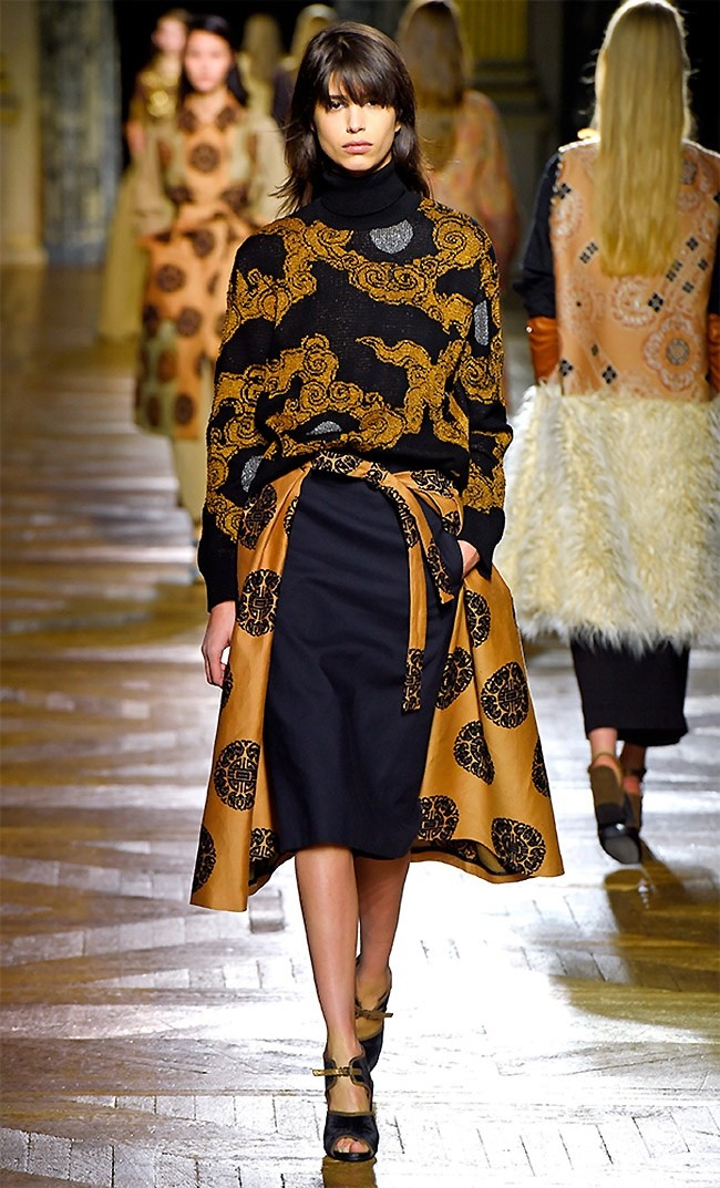 dries-van-noten-fall-winter-2015-runway38