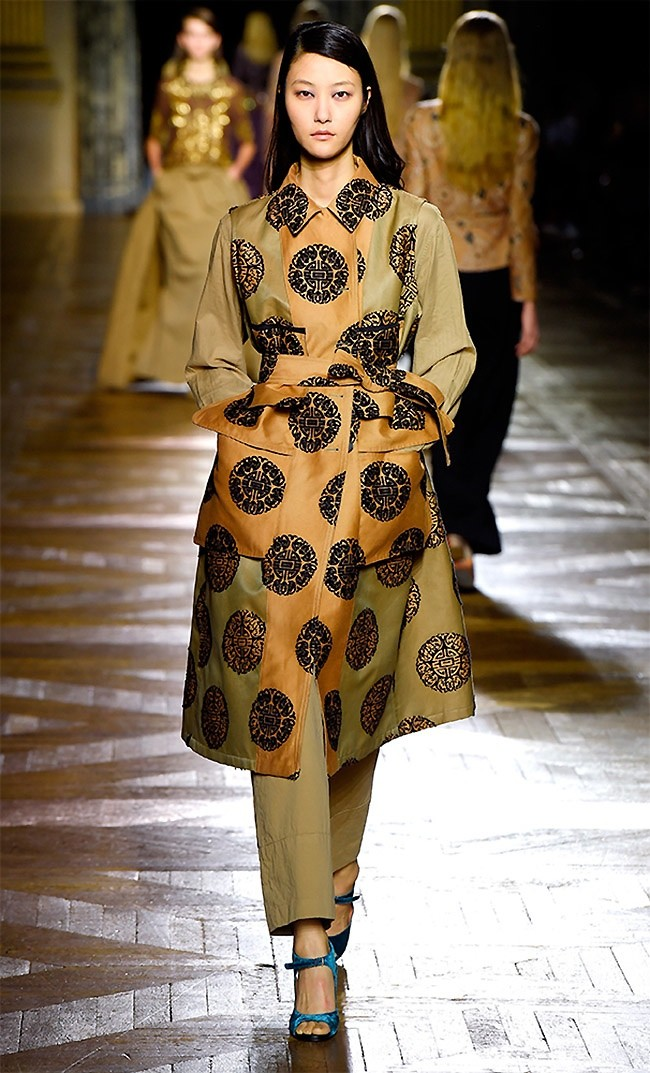 dries-van-noten-fall-winter-2015-runway39