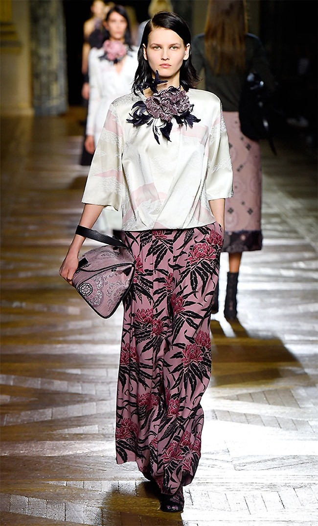 dries-van-noten-fall-winter-2015-runway53