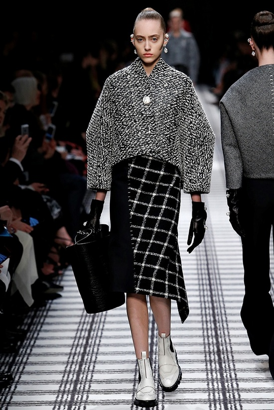 balenciaga-fall-winter-2015-runway06