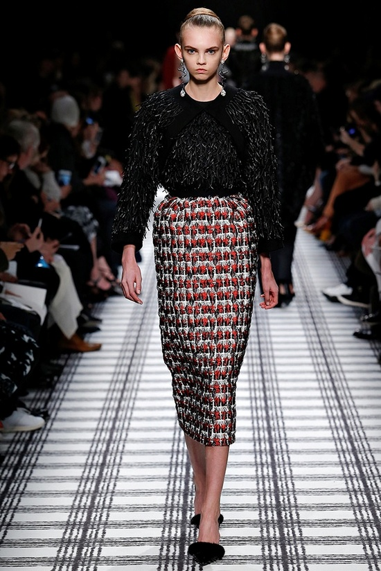 balenciaga-fall-winter-2015-runway13