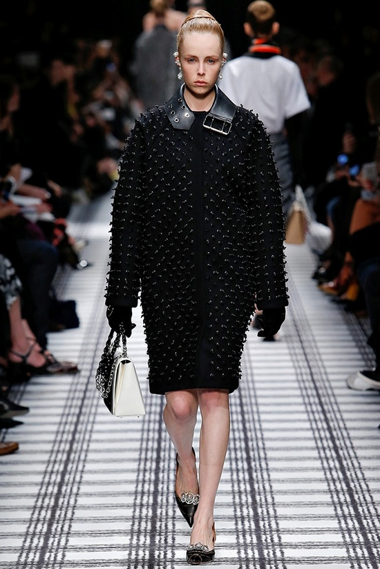 balenciaga fall winter 2015 runway23