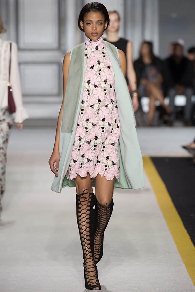 giambattista-valli-fall-winter-2015-runway20