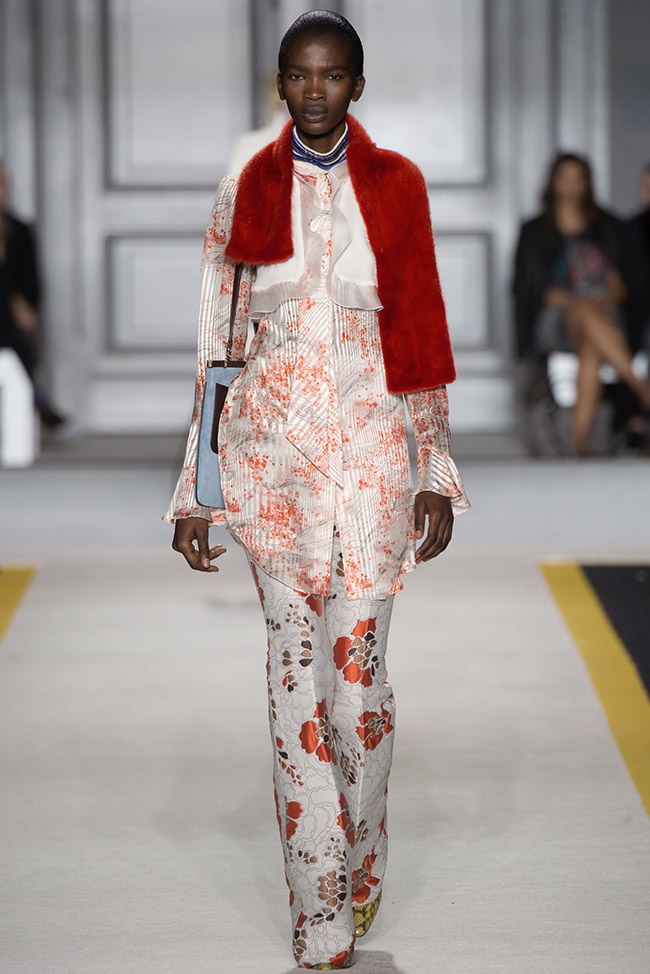 giambattista-valli-fall-winter-2015-runway22