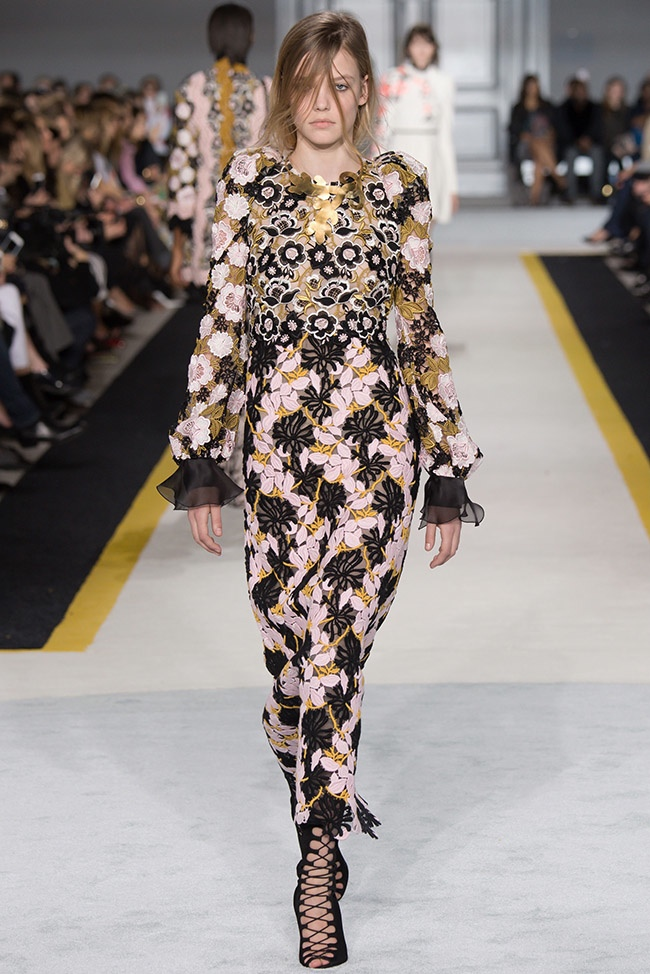giambattista-valli-fall-winter-2015-runway39