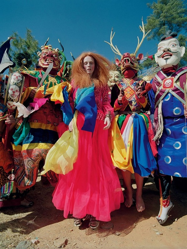 karen-elson-tim-walker-british-vogue-may-2015-00
