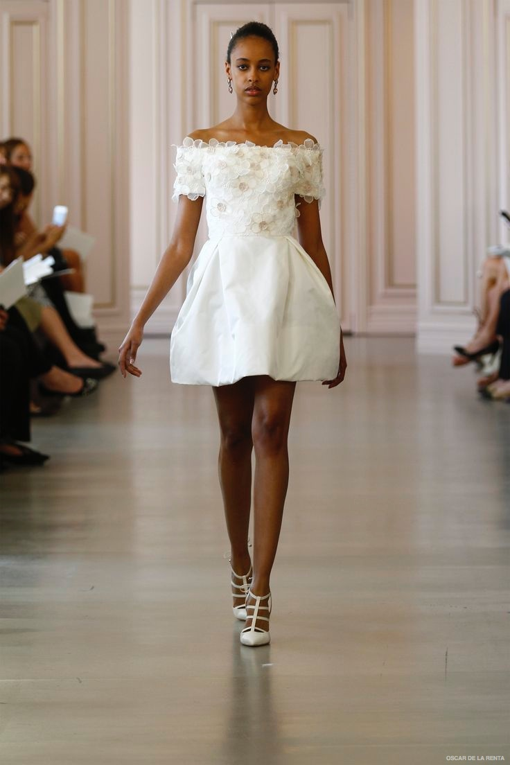 oscar-de-la-renta-2016-spring-wedding-dresses12
