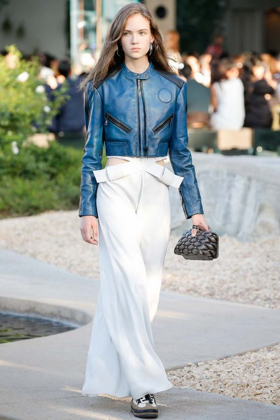 Louis-Vuitton-Resort-2016-16