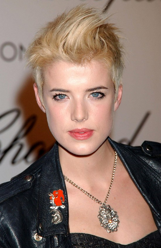 Agyness-Deyn-Short-Hair-Blonde
