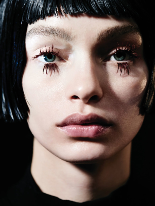 Vogue-China-May-2016-Luma-Grothe-by-Liz-Collins-01.U-620x824