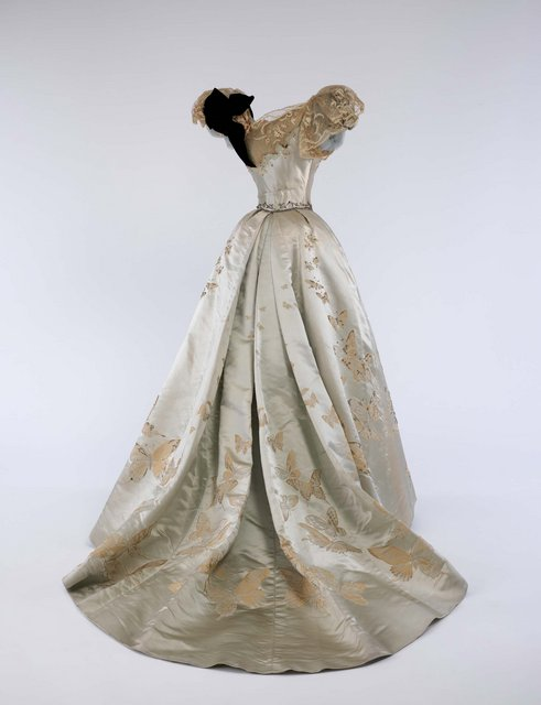 05-ball-gown-jean-philippe-worth-1898