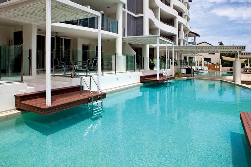 Waters Edge Apartment Cairns 1