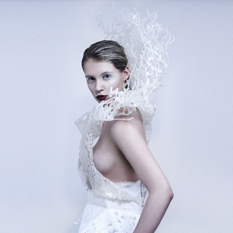 Bristle-3D-printed-dress-by-Francis-Bitonti-and-New-Skins-Workshop-students