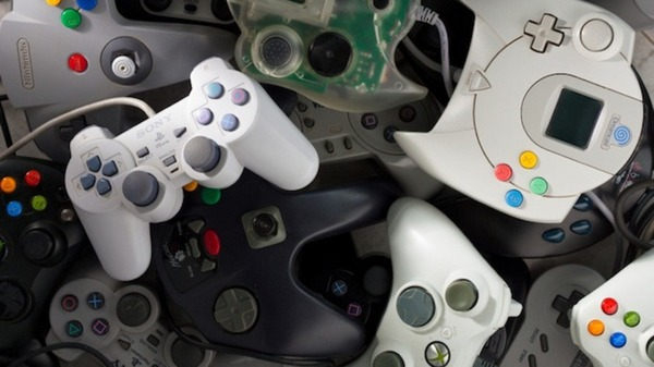 video game controllers 640