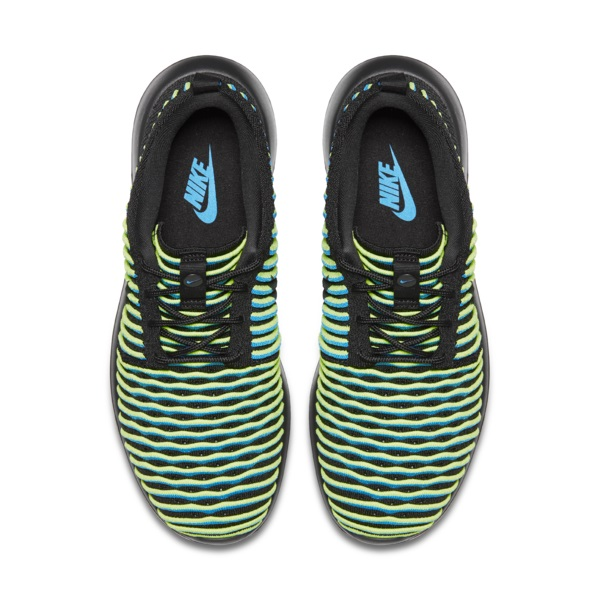 Roshe Two Flyknit Womens 5 native 600