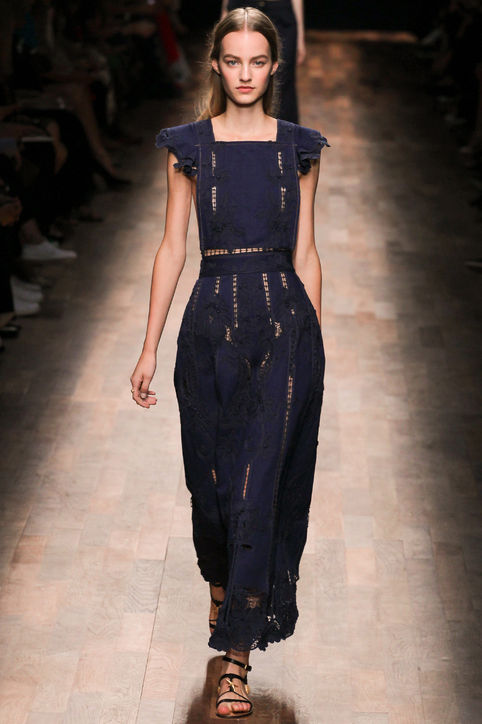 06-valentino-lace-denim-dress-spring-2015-h724
