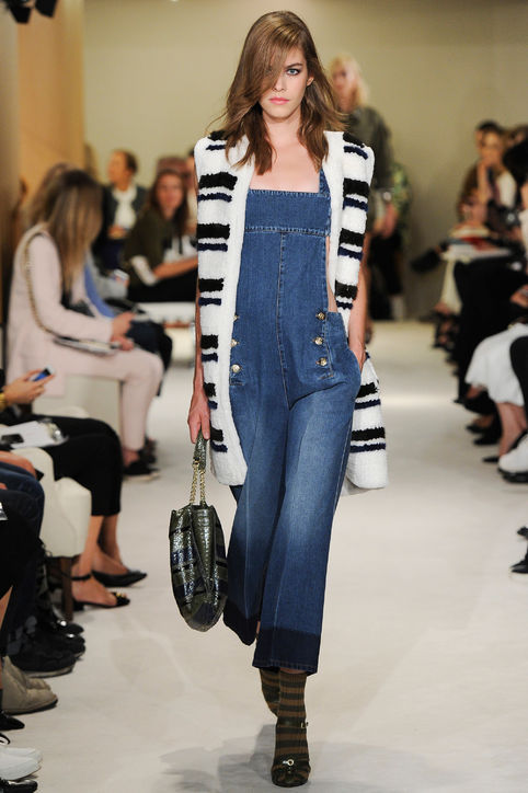 08-sonia-rykiel-denim-overalls-black-white-sweater-spring-2015-h724