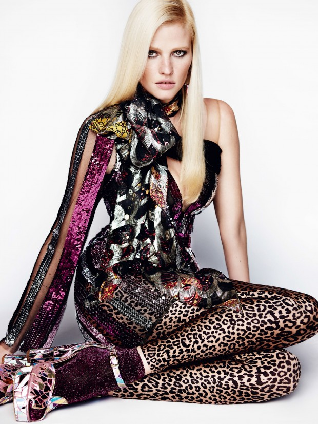 vogue-uk-august-2015-lara-stone-by-mario-testino-11xe-620x826