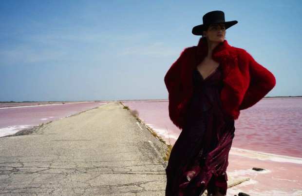 isabeli-fontana-by-cedric-buchet-elle-france-august-2015-01-620x402