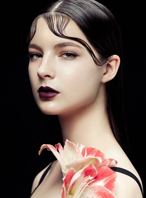 Bazaar-Vietnam-Kiss-Curls-Beauty-Editorial02