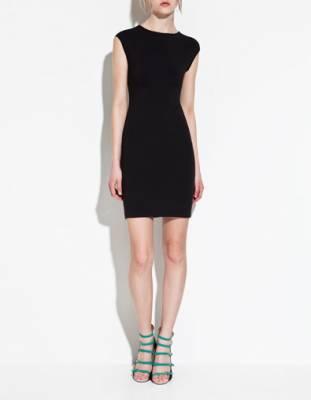 MUST HAVE: LITTLE BLACK DRESS