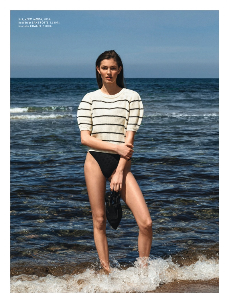 Alberte Mortensen Beach Editorial10