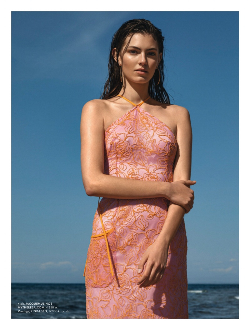 Alberte Mortensen Beach Editorial12