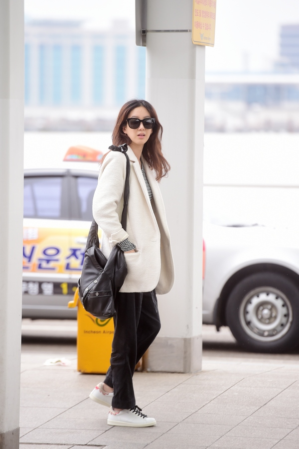 Ryeowon Jung Girl CHANEL bag 03-2015