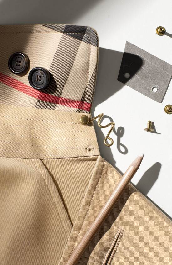 THE BURBERRY TRENCH COAT CRAFTSMANSHIP 026