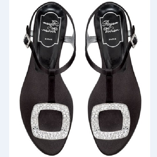 Roger-Vivier-Thong-Black-Satin-Flat-Sandals-608