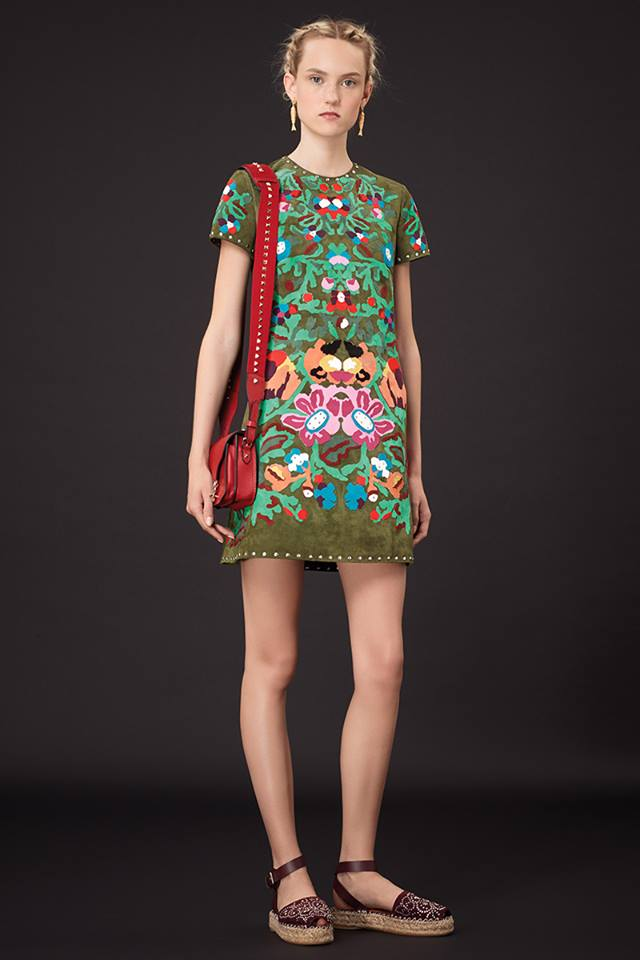 640x960xValentino-Resort-2015-11.jpg.pagespeed.ic.OAPz1DOi5J