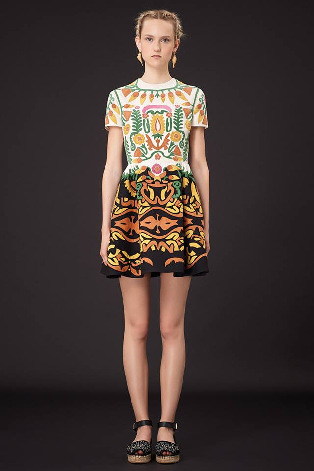 640x960xValentino-Resort-2015-2.jpg.pagespeed.ic.QrEYX1rRnQ