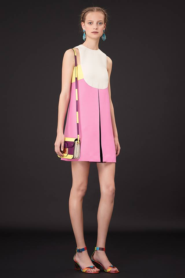 640x960xValentino-Resort-2015-30.jpg.pagespeed.ic.NvWrAdAYdR