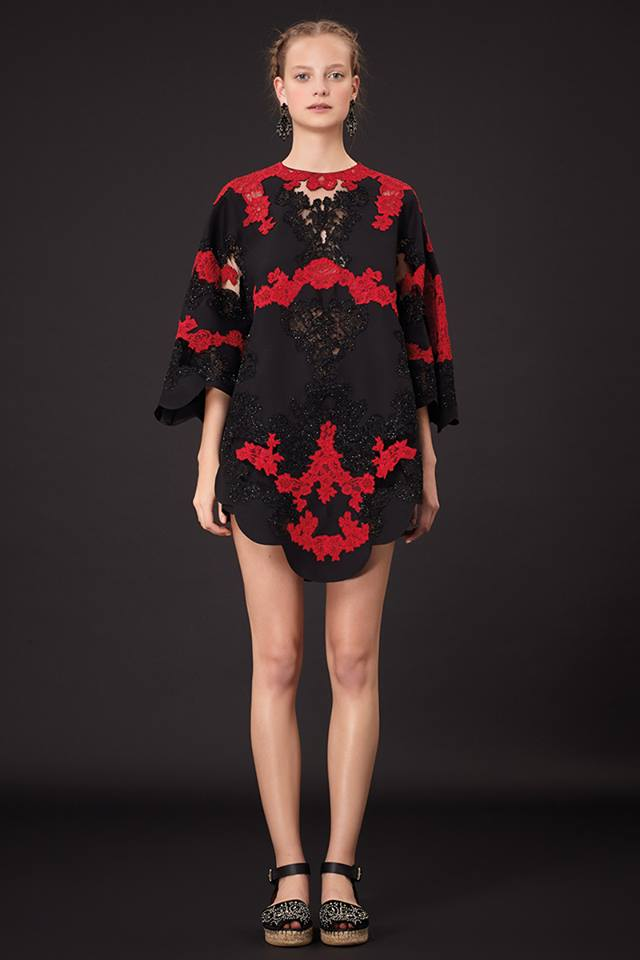 640x960xValentino-Resort-2015-47.jpg.pagespeed.ic.75A2DN84V9