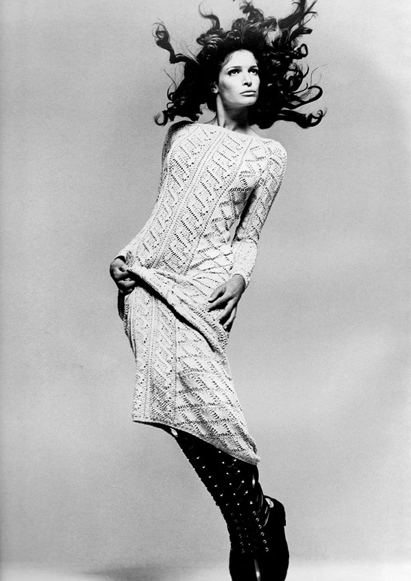stephanie-seymour-vintage-1993-knitwear-fashion-sweater-pointelle-lace-versace-2