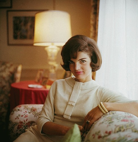 jackie-kennedy-fashion-white-sweater