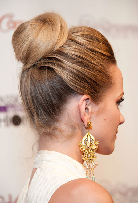 0320-high-bun-hairstyle-back bd
