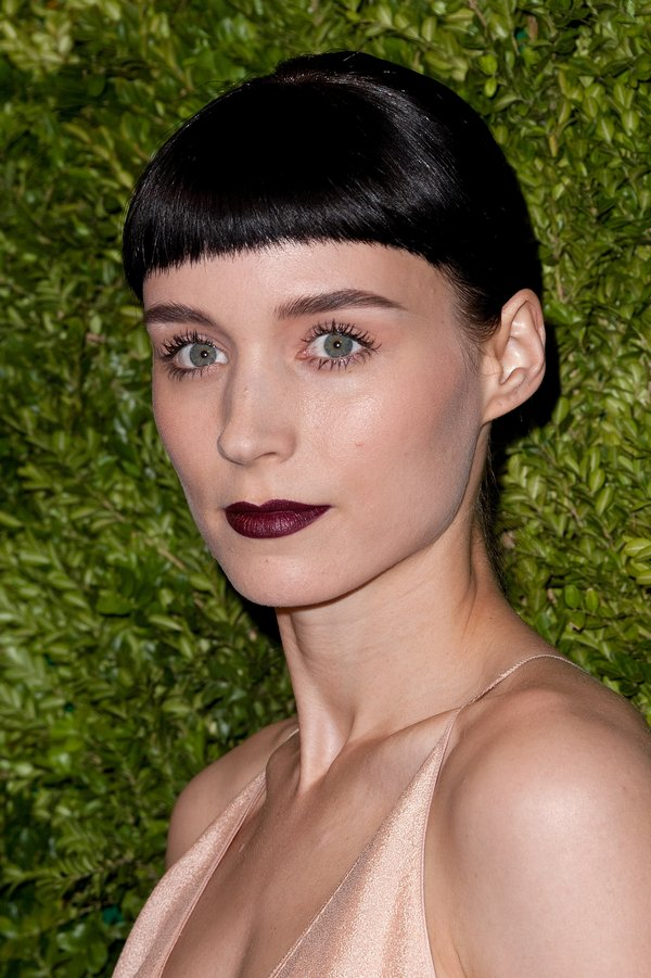 Rooney-Mara-continued-rock-her-jet-black-hair