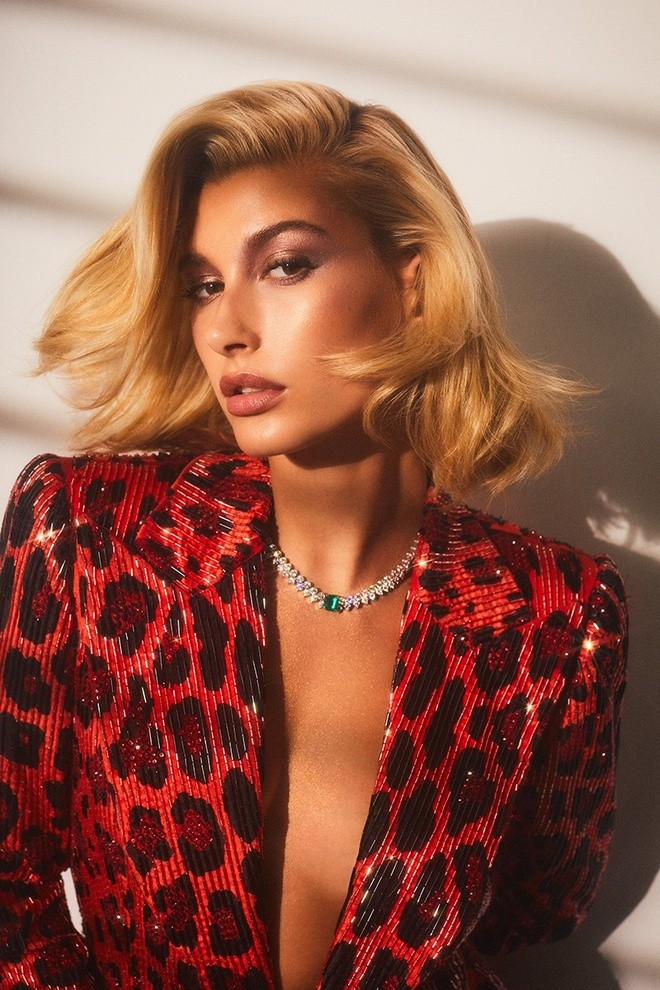 Hailey Baldwin Vogue Arabia Cover Photoshoot08
