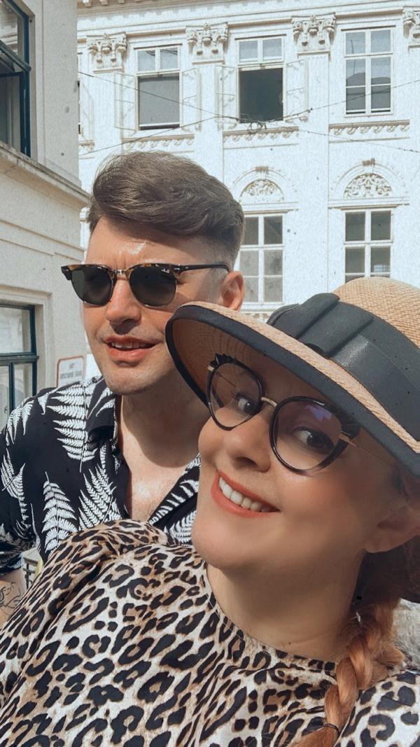 Stylish par MIA & MATTHEW // ona je DJ, on radi u marketingu, zajedno kao da su izašli iz ROMANTIČNOG VINTAGE FILMA